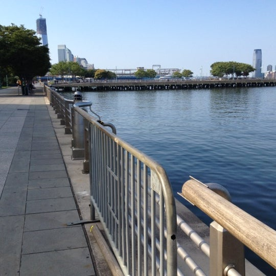 Das Foto wurde bei Hudson River Park von Leigh F. am 8/12/2012 aufgenommen