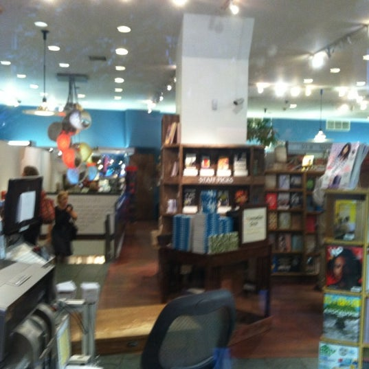 Photo taken at McNally Jackson Books by Yiannis on 9/3/2012