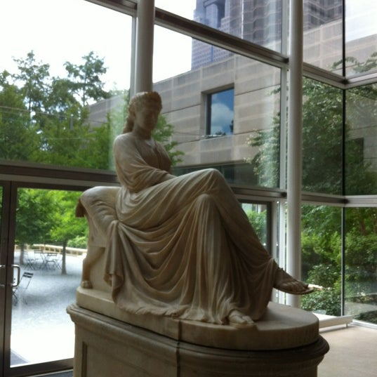 Photo taken at Dallas Museum of Art by Timothy E. on 7/15/2012