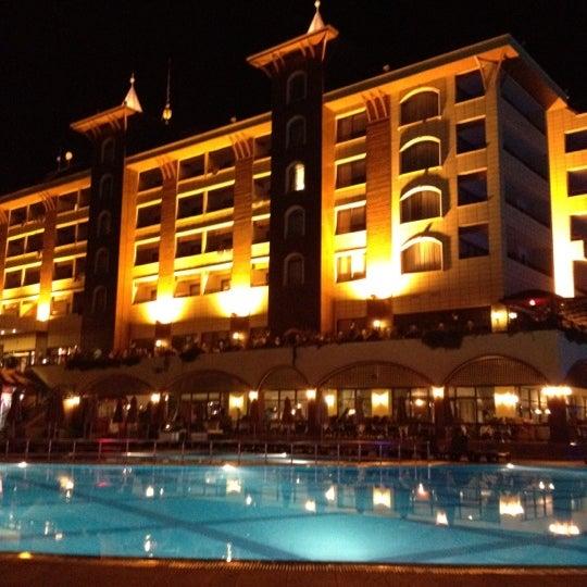 9/5/2012 tarihinde Eugene K.ziyaretçi tarafından Utopia World Hotel'de çekilen fotoğraf