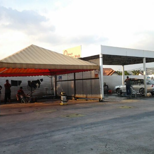 Photo taken at Shell Manual Car Wash BK2 by mona s. on 5/8/2012