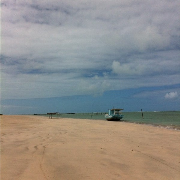 Foto tirada no(a) Praia de São Miguel dos Milagres por Carlo C. em 8/23/2012