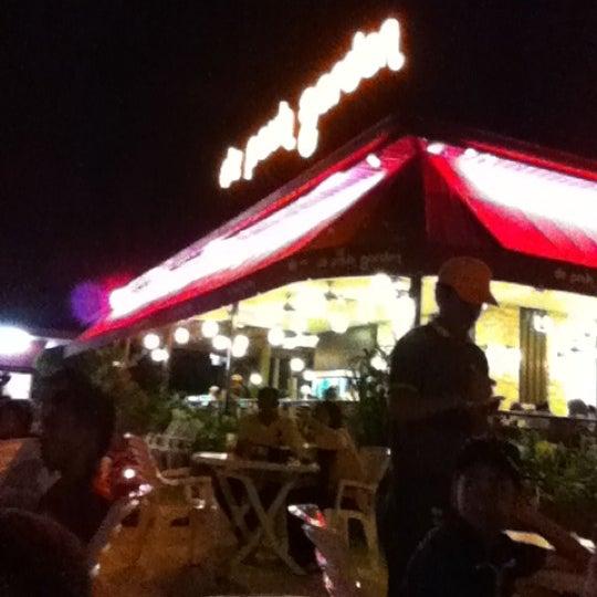 Photo taken at De Pauh Garden Restaurant & Cafe by zulhilmi m. on 5/19/2012