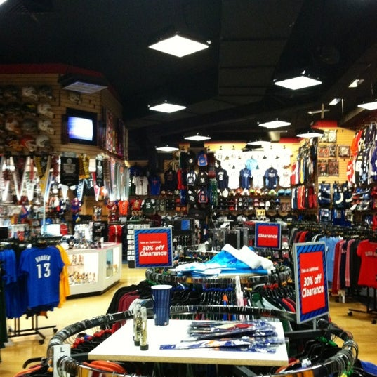 Sports Fan Attic Westshore Plaza Village Of Tampa