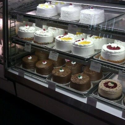 Photo taken at Mrs. Maxwell Bakery by Cardo G. on 4/12/2012