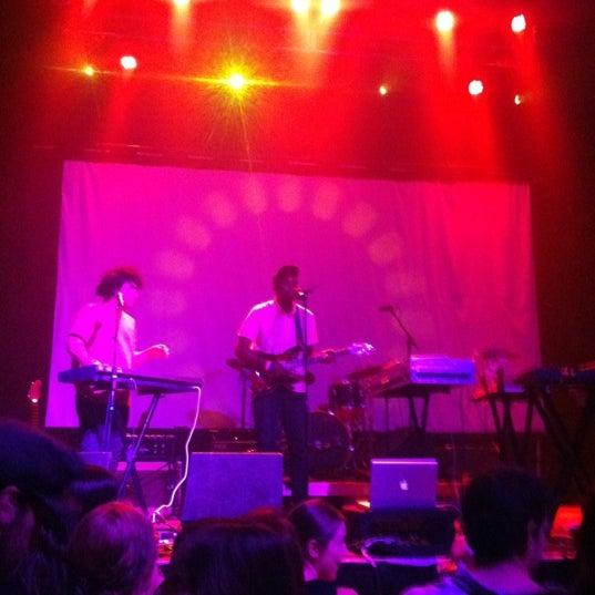 รูปภาพถ่ายที่ Summit Music Hall โดย Jonathan C. เมื่อ 6/30/2012