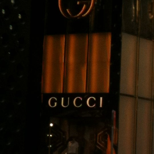 Photo taken at Gucci by Lina P. on 3/11/2012