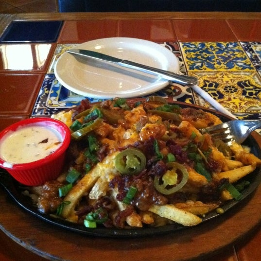 Photo taken at Chili's by Ali D. on 5/7/2012