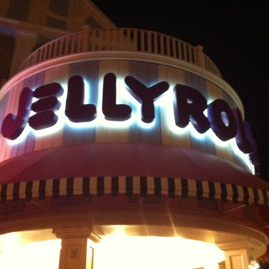Photo taken at Jellyrolls by Caitlyn P. on 3/3/2012
