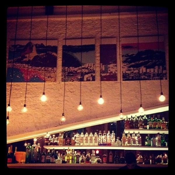 Foto scattata a Meza Bar da Mateus T. il 5/17/2012