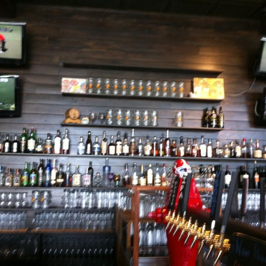 Photo taken at 5 Seasons Brewing by Ronnie L. on 6/3/2012
