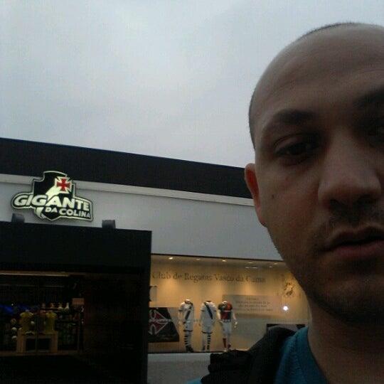 Foto tirada no(a) Mega Loja Gigante da Colina por Marco R. em 9/12/2012