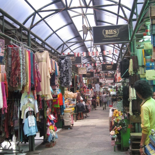Great outdoor market, Arab style clothes, food and goods and fresh goat meat at the restaurants. Also home to the graveyard of one of the wali songo, Sunan Ampel, founder of Islam in java island.