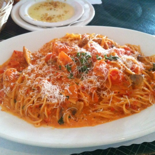 Mama d 39 s italy kitchen west newport beach 120 tips for Mama s italian kitchen