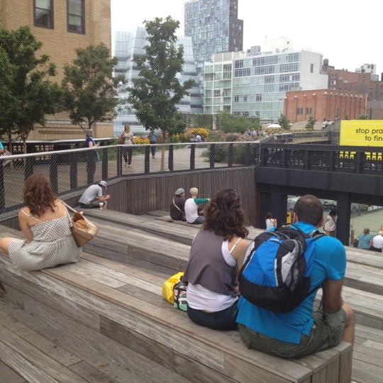 Photo taken at High Line 10th Ave Amphitheatre by Kenneth A. S. on 7/13/2012