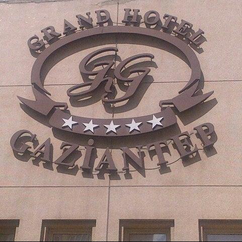 Das Foto wurde bei Grand Hotel Gaziantep von Burak K. am 9/12/2012 aufgenommen