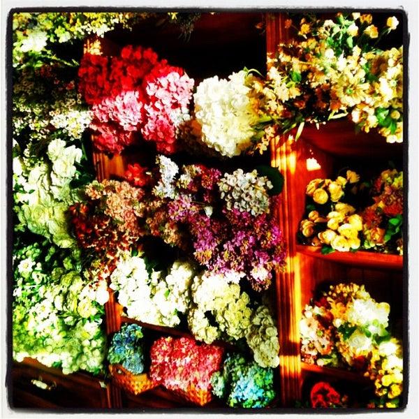 Foto tirada no(a) Emporium A por Zé M. em 5/5/2012