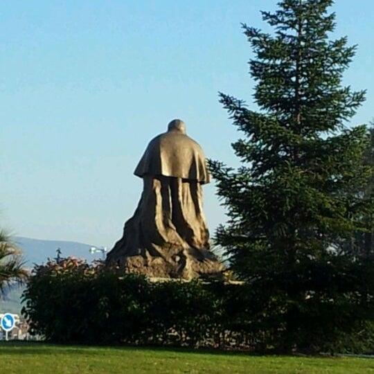 Foto diambil di Monumento a Juan Pablo II oleh Abogado Pamplona w. pada 2/10/2012