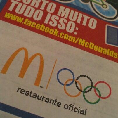 Photo taken at McDonald's by Eduardo A. on 8/10/2012