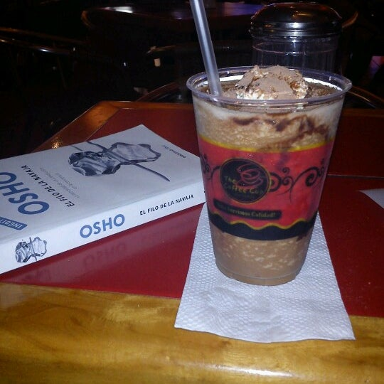 Photo taken at The Coffee Cup by Gerson Osuel M. on 6/16/2012