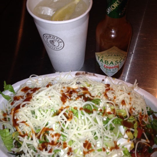 Photo taken at Chipotle Mexican Grill by PorkChopEclipse on 7/6/2012