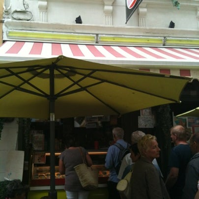 Photo prise au Gelato Maxzim par Vivien W. le8/5/2012