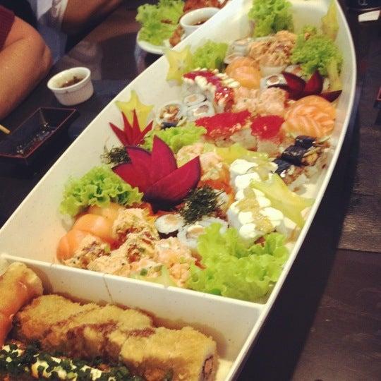 Foto tirada no(a) Hachi Japonese Food por Stella L. em 6/17/2012