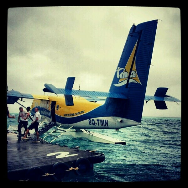 Photo taken at Vilamendhoo Island Resort & Spa by Eyesha A. on 8/26/2012