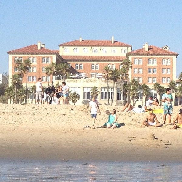 รูปภาพถ่ายที่ Casa Del Mar Hotel โดย Chris H. เมื่อ 8/20/2012