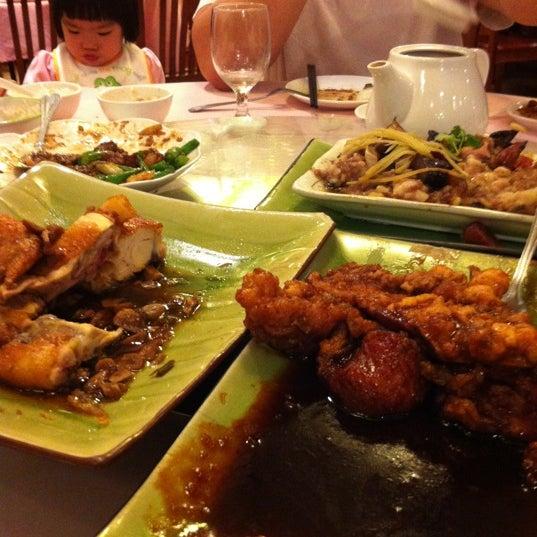 Photo taken at Lucky Eight 同樂小炒皇 by Kai  L. on 3/22/2012