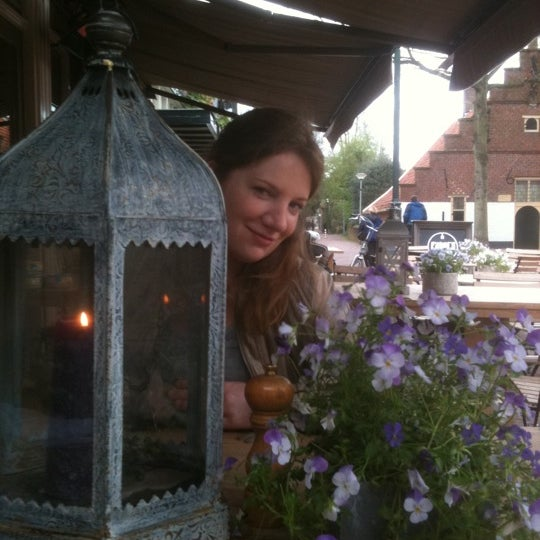 Photo taken at Fabel's by Liza B. on 4/29/2012