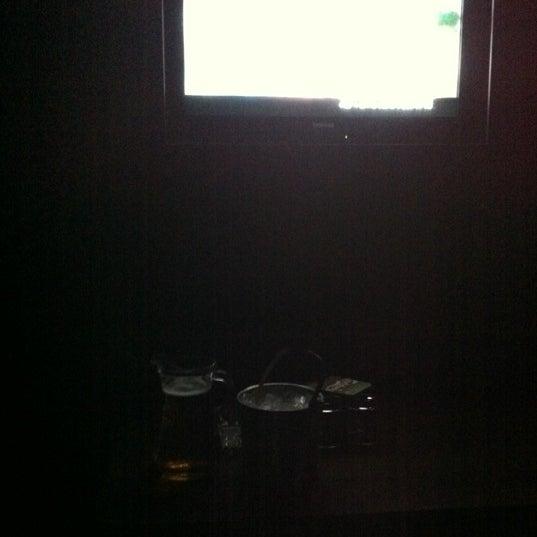 รูปภาพถ่ายที่ KBOX Plus โดย Jeslyn L. เมื่อ 6/4/2012