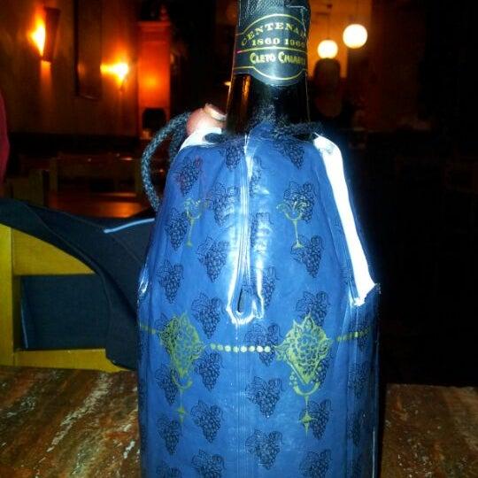 Foto tomada en Restaurante Italiano Emma y Julia por Angel S. el 5/20/2012