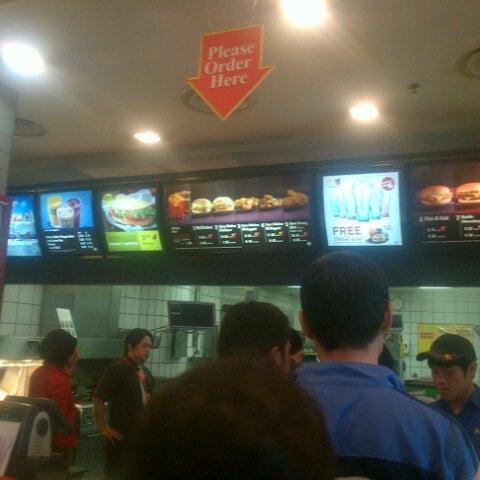 Photo taken at McDonald's by Muhd Alif Ahmad on 7/18/2012