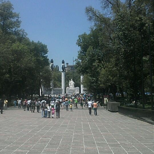 Photo taken at Bosque de Chapultepec by Jonathan O. on 5/1/2012