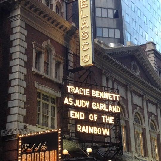 รูปภาพถ่ายที่ Belasco Theatre โดย Megan เมื่อ 6/2/2012