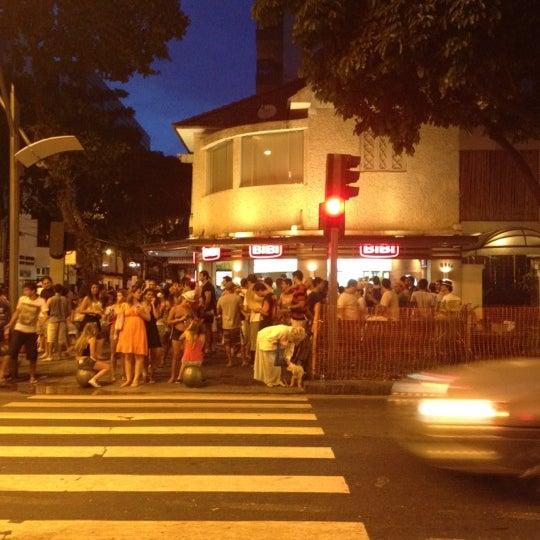 Photo taken at Bibi Sucos by Paulo G. on 2/21/2012