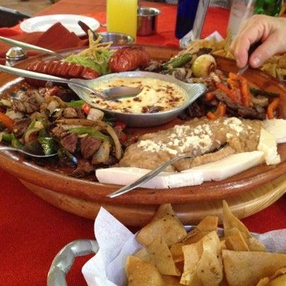 Foto tomada en El Patio por Rodolfo B. el 7/22/2012