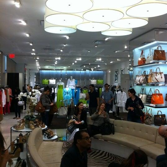 Michael kors boutique in new york for Michael kors rockefeller center