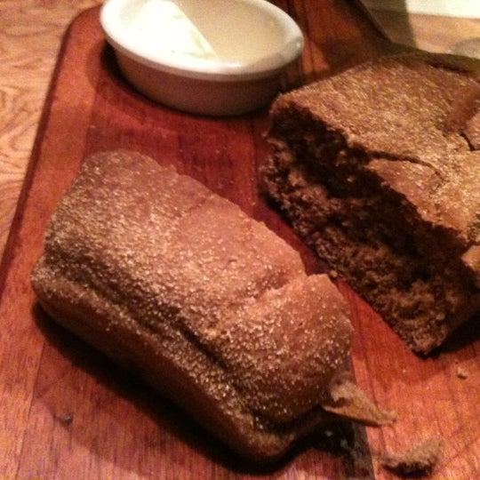 Foto tirada no(a) Outback Steakhouse por Viviane F. em 4/28/2012