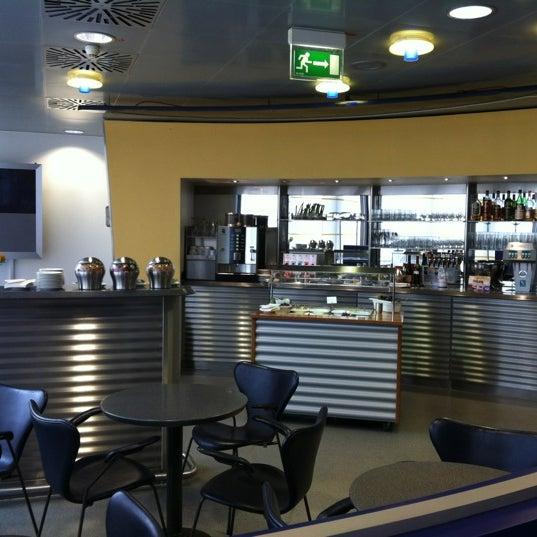 Foto tirada no(a) Lufthansa Senator Lounge por Thomas K. em 5/4/2012