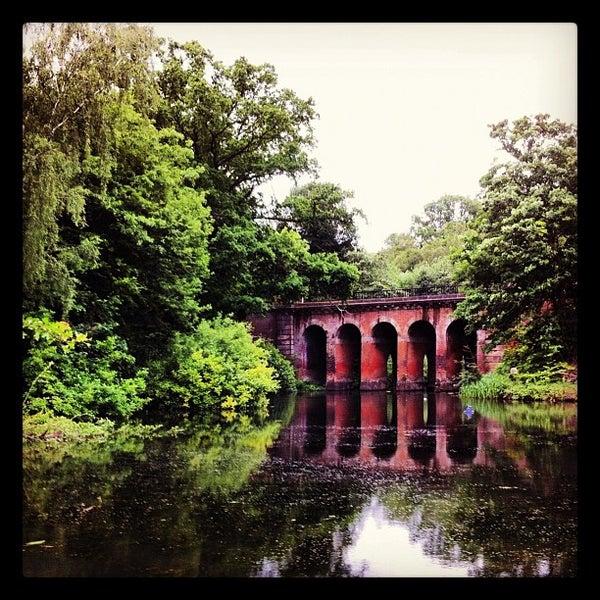 6/5/2012 tarihinde Genevieve S.ziyaretçi tarafından Hampstead Heath'de çekilen fotoğraf