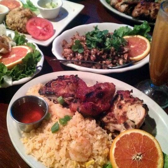 รูปภาพถ่ายที่ Thai Original BBQ & Restaurant โดย Angela C. เมื่อ 4/25/2012