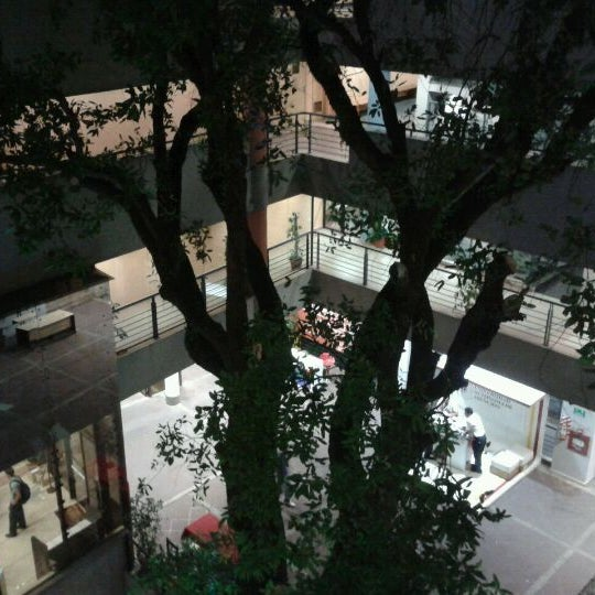 Foto tomada en Universidad Autónoma de Asunción por BeLu G. el 3/16/2012