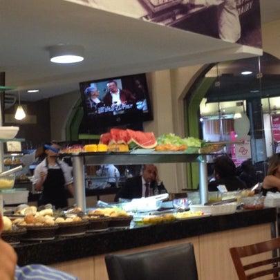 Foto scattata a Padaria Casablanca da Eduardo G. il 7/27/2012