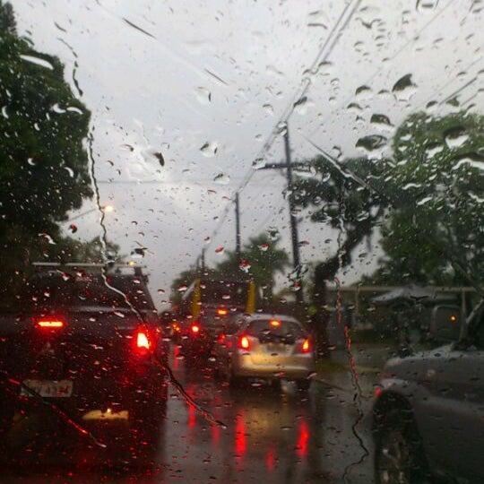Photo taken at Avenida Brasil by Dani Z. on 4/11/2012
