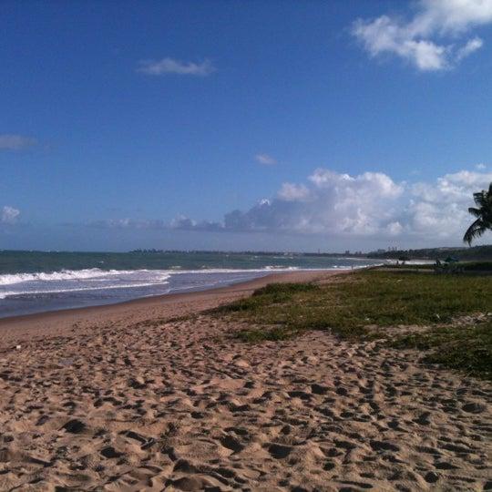 รูปภาพถ่ายที่ Praia de Guaxuma โดย Samir H. เมื่อ 8/24/2012