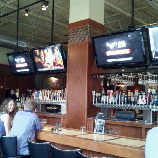 mike diannas grill room bar louie restaurant in southglenn