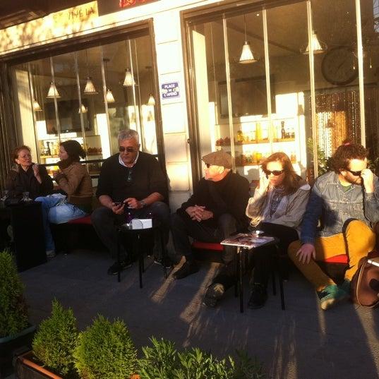 Photo taken at Komün by ROSSİ BARBAROSSA ASMALİMESCİT T. on 4/19/2012
