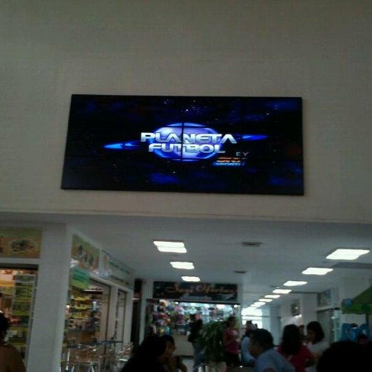 Foto tomada en Plaza Dorada por Alex J. el 4/1/2012